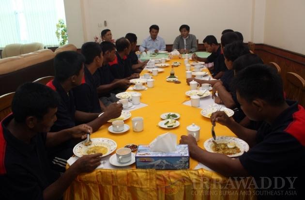 Burmese fishermen rescued by Sri Lankan Navy
