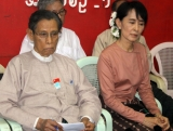 Burma pro-democracy leader Aung San Suu Kyi (Right) and Deputy Leader of her National League for Democracy party (NLD) Tin Oo (Left) participate two days workshop on educating Myanmar farmers at the party's headquarters in Rangoon, Burma.