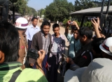Prisoners released at Insein Prison, 3rd Jan 2012