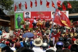 Daw Suu talks to supporters in Kalaw, Southern Shan State, Myanmar, Thursday, March.1, 2012.