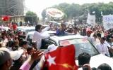 Daw Suu campaign to Theinni, 27 miles from Lashio, 18 Mar 2012, Shan State, Myanmar.