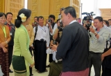 09-07-12 Naypyidaw    photo Kyaw Zwa Moe NLD leader, Aung Saan Suu Kyi talks with house speaker, Shwe Mann.