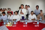 06-09-12 Peace conference - PHOTO Jpaing Delegates from ten democratic parties and the Burmese Peace Mission hold a conference at Yuzana Hotel in Shwe Gone Taing township in Yangon at 1 pm today. Moe Thee Zun, (seated, second from right), and other exiles who recently returned to Burma also attended the conference.