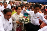 19-06-13 Photo Jpaing Daw Aung San Suu Kyi celebrates her 68th birthday with supporters