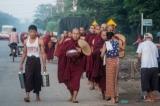 A day at Ngwe Kyar Yan Monastery