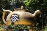A kettle statue at poppy substitution tea plantation. (Photo: J Paing/The Irrawaddy)