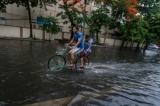 Roads in downtown Rangoon were flooded by heavy rains on May 20,2016. (Photo - Pyay Kyaw / The Irrawaddy)